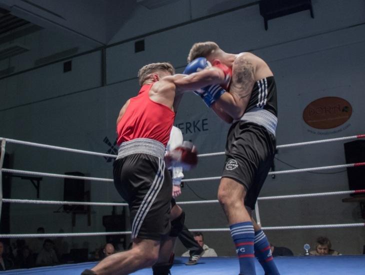 proper hook boxing